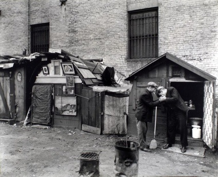 0Huts-and-unemployed-West-Houston-and-Mercer-Street-Manhattan-October-25-1935-03.jpg