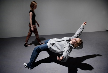 0XU ZHEN - In Just a Blink of an Eye (2005, 2012) Photo Linda Nylind.jpg