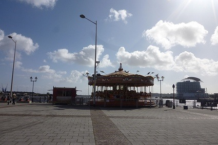6carrouseldelon46a8d3cd.jpg