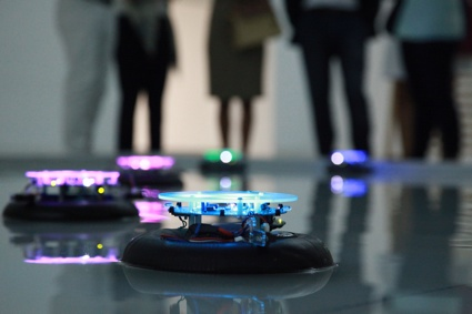 Vessels, a fleet of robots with unpredictable behaviour