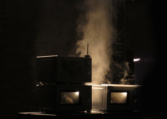 'Thermal', audiovisual performance of an overheating microwave