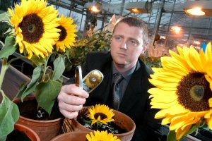 flowerphone.jpg